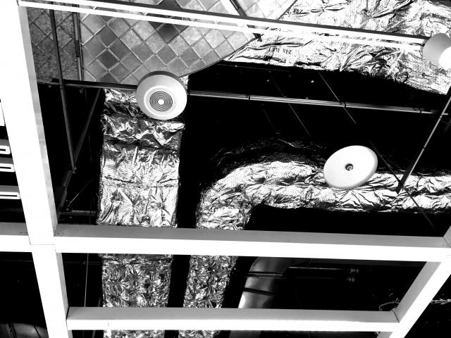 神戸でダクト工事(換気扇の設置)を依頼するなら~ビル・オフィスの環境改善~